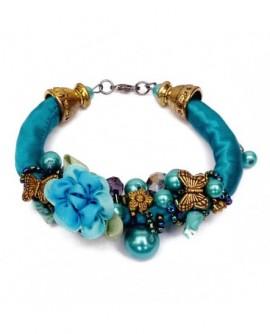 Soie bleu, fleurs et papillons sur un buisson de perles (Bracelet)