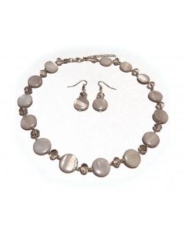 Parure ( collier + boucles d'oreilles )  nacre grise et perles a facettes translucide