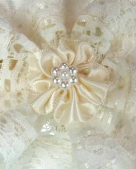 Jarretière de mariage satin ivoire et fleur - de la petite à la grande taille