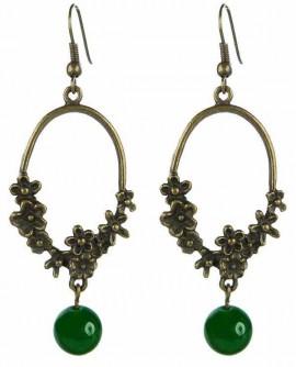Fleurs de bronze et perle verte en boucles d'oreilles