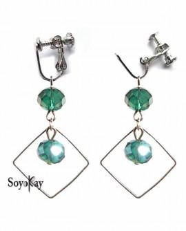 losange argenté et perle vert émeraude en boucles d'oreilles clip
