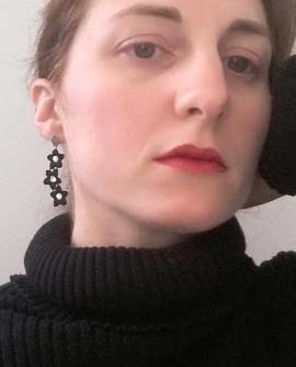 boucles d'oreilles fleurs noires en dentelle et cristal