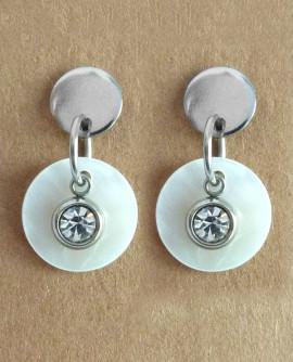 Boucles d'oreilles puces style art déco : disque nacre blanche et cristal