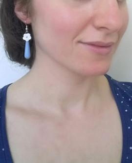 Boucles D'oreilles à fleur, bleu et blanche