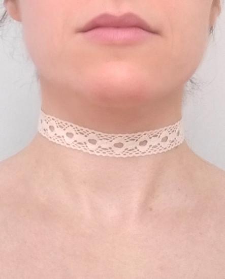 collier ras de cou dentelle écru bohème