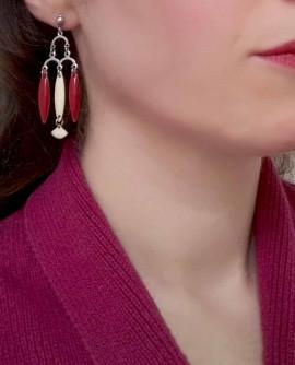 boucles d'oreilles rouge et beige chandelier rétro