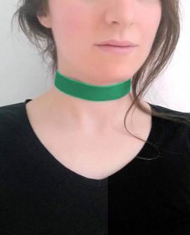 collier ras de cou vert émeraude