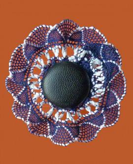 broche fleur noire et or en dentelle (fait aussi pince à cheveux)