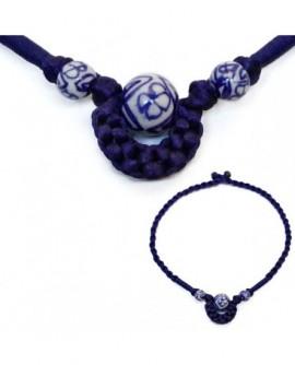 Collier macramé porcelaine et satin bleu