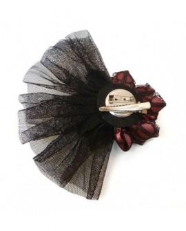 Fleur Dentelle Noire et Satin Rouge Doux, Tulle et Plumes (2 fonctions : Broche et Pince à cheveux)
