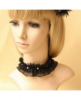Collier gothique ras de cou plissé noir et blanc