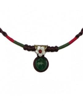 Collier macréma satin rouge vert fleur en nacre blanche